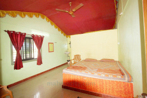 book a room in Tarkarli