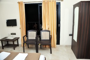 Abhilasha Home Stay - exterior view - room amenities