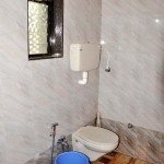 sunshine home stay - Clean western style toilet and bath