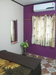 Sam Home Stay -Standard bedding style Room
